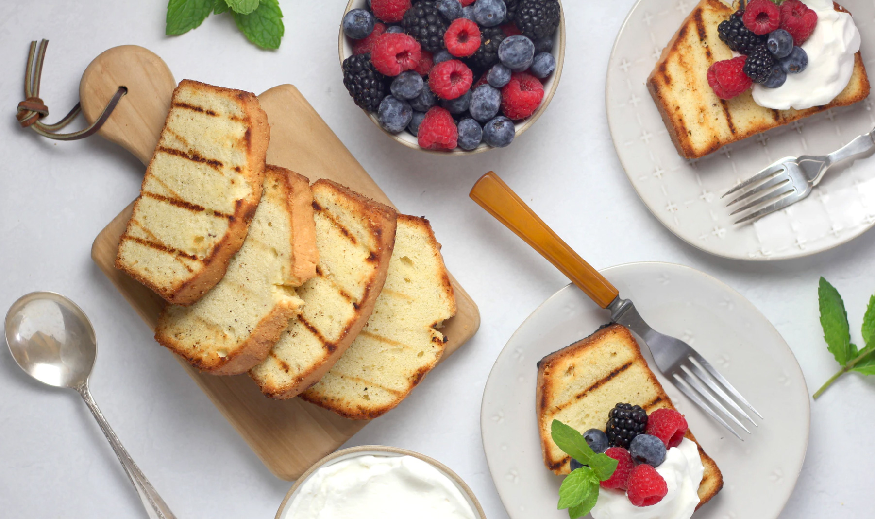 French toast with fruits and cream