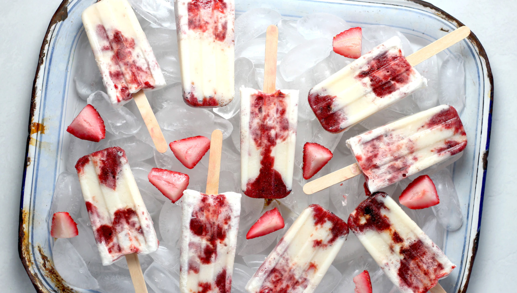 Strawberry popsicles homemade